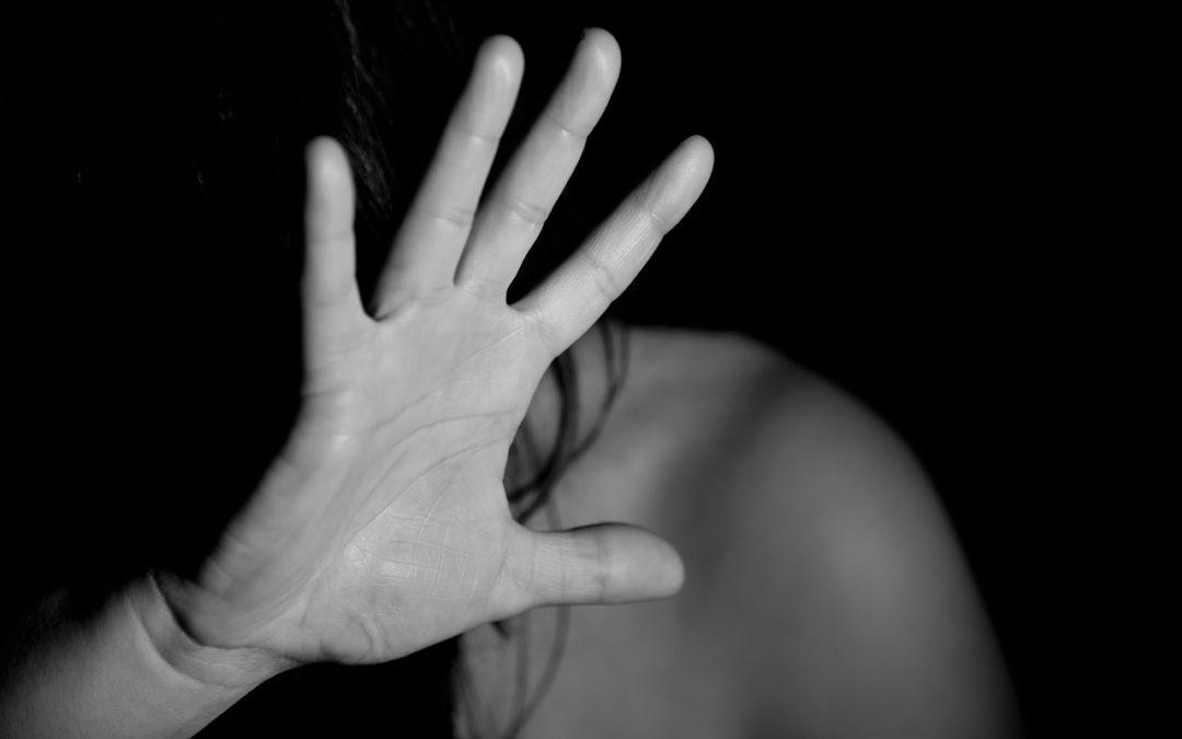 Rompere il muro del silenzio: acquisire le prove contro lo stalking
